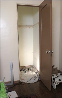 Closet Before Makeover.
